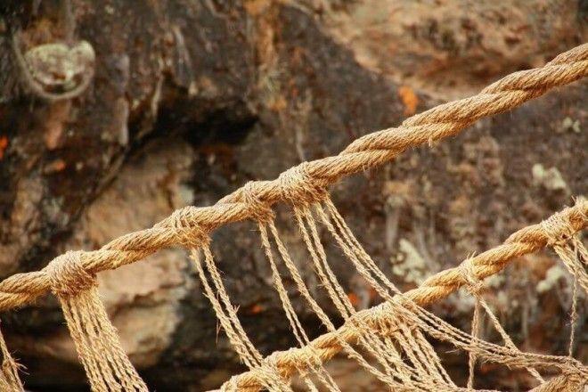 SМост сплетённый из обычный травы который сохранился от древних инков