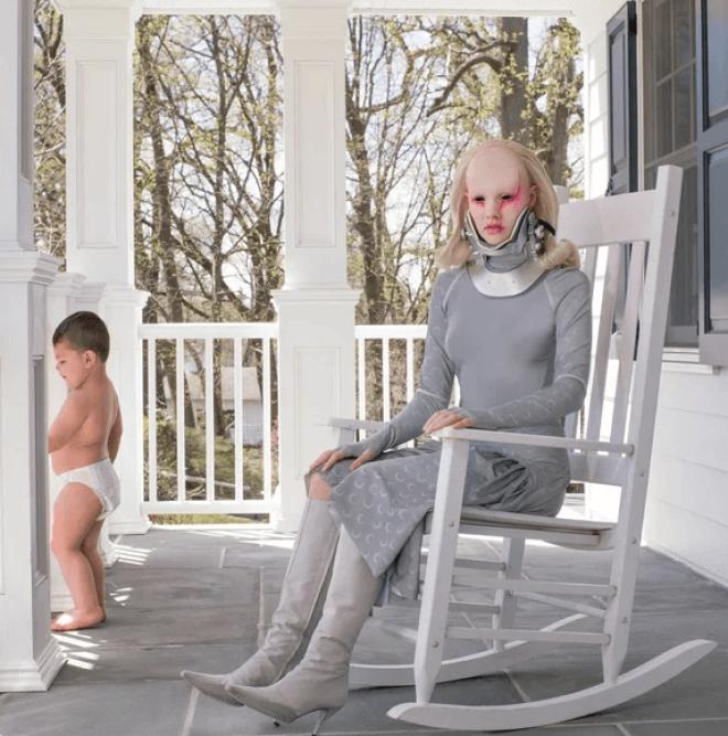 SСемья выглядит так необычно что соседи прячут от них своих детей