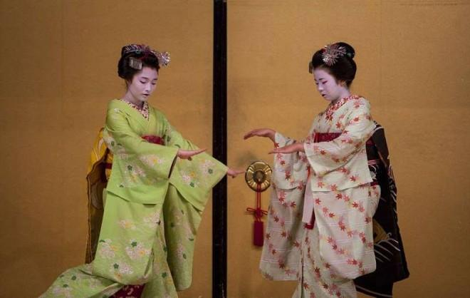 Внутри тайного мира гейши....