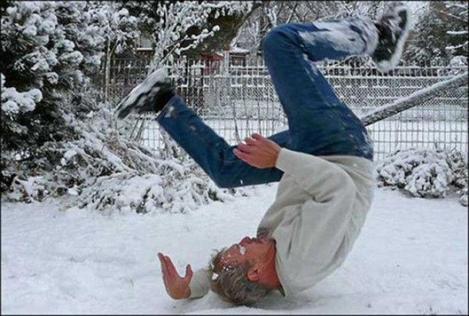 Инструкция, которая поможет пережить зиму без травм и переломов.